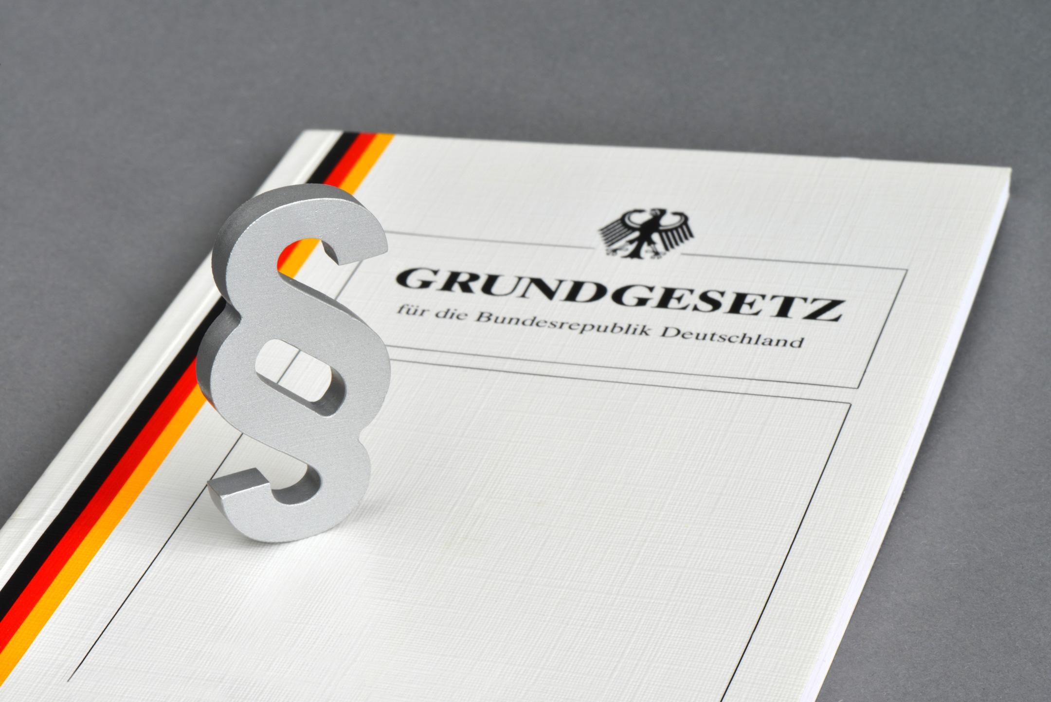 shutterstock Grundgesetz web